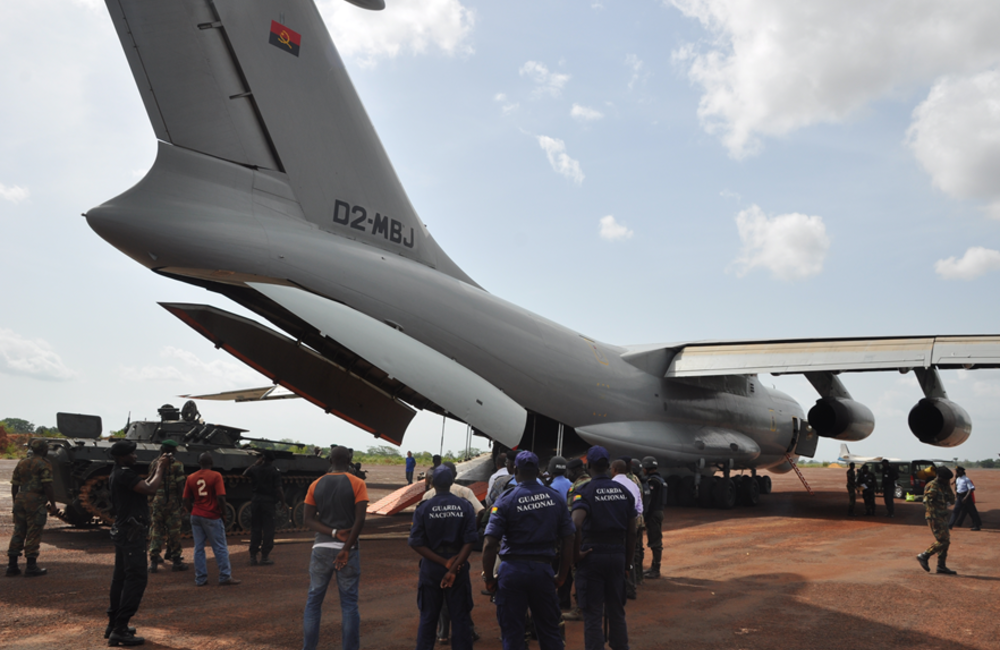 6 June. The Angolan Technical Assistance Mission-MISSANG- began leaving Guinea-Bissau
