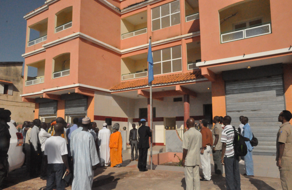 Novembro. Abertura de Escritórios regionais em Bafatá e Buba.